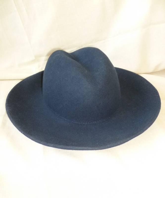 Chapeau-Laine-bleu-M4