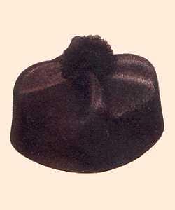 Chapeau-Barette-de-curé