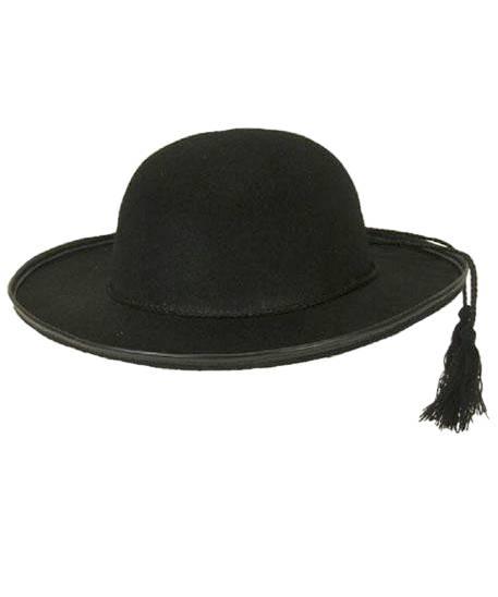 Chapeau-de-curé-Don-Camillo