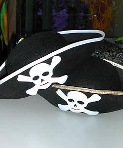 Chapeau-de-pirate-noir-pour-adulte-2