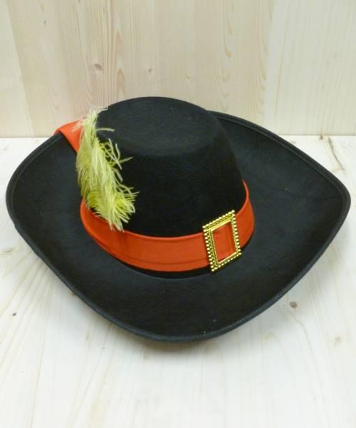 Chapeau-de-mousquetaire-noir