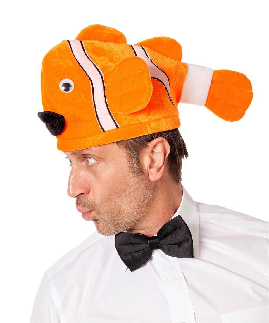 Chapeau-Poisson-sur-tête-orange