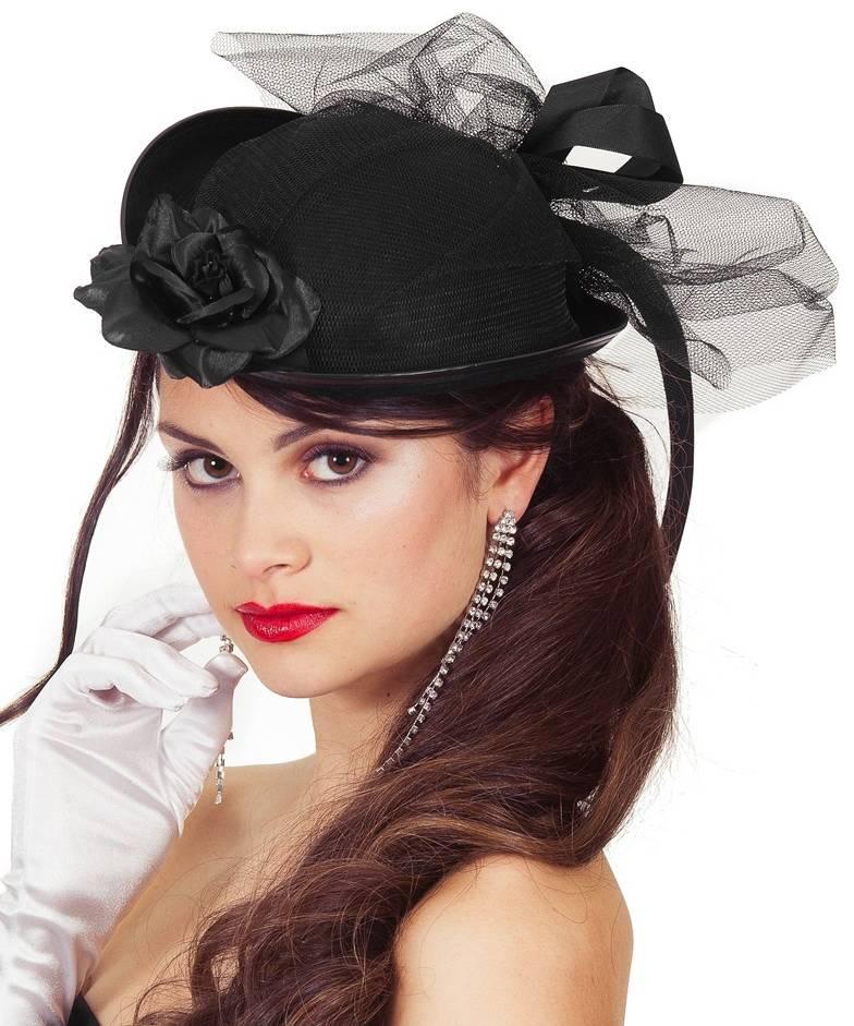 Chapeau-noir-de-style-époque-pour-femme