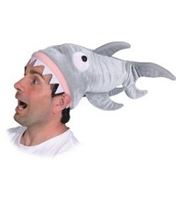 Chapeau-Requin-sur-tête