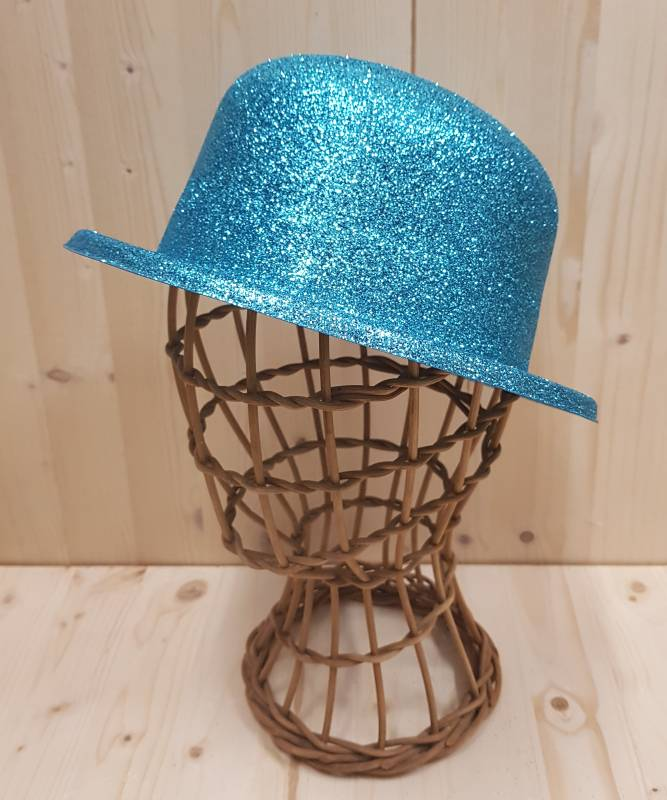 Chapeau-bleu-pailleté