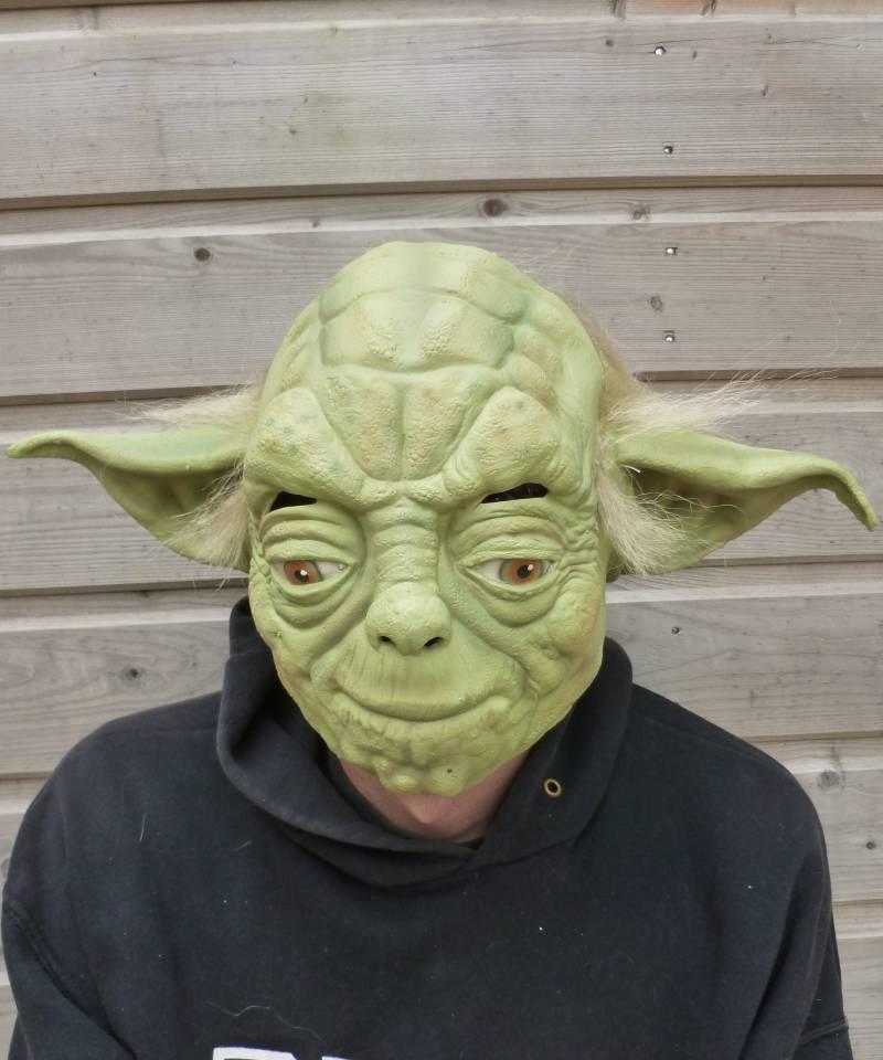Masque-Yoda