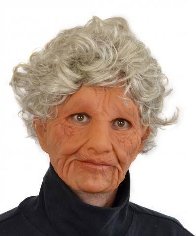 Masque-vieille-femme-réaliste-3
