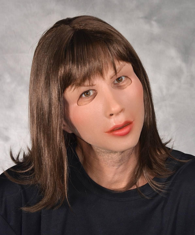 Masque de femme réaliste