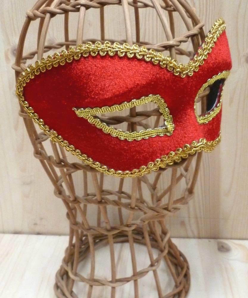 Masque-lunettes-rouge-3