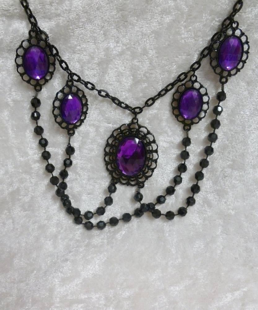 Collier-gothique-noir-et-violet-3