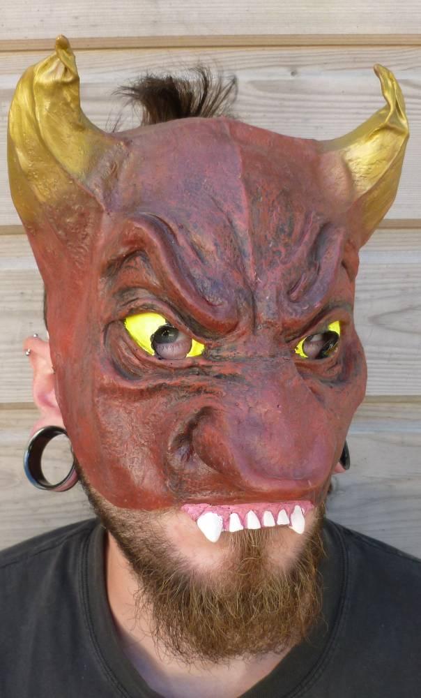 Demi-masque-Diable