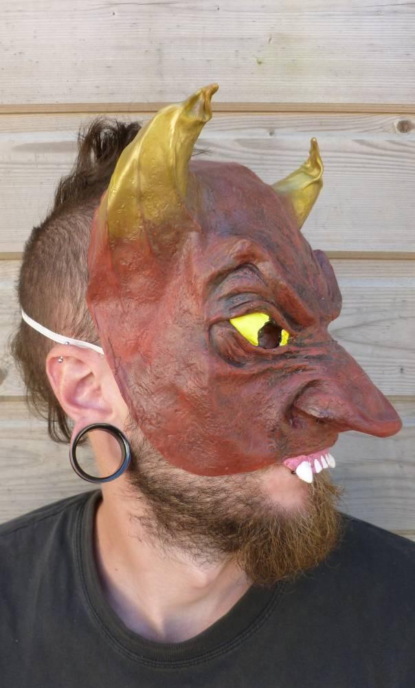 Demi-masque-Diable-2