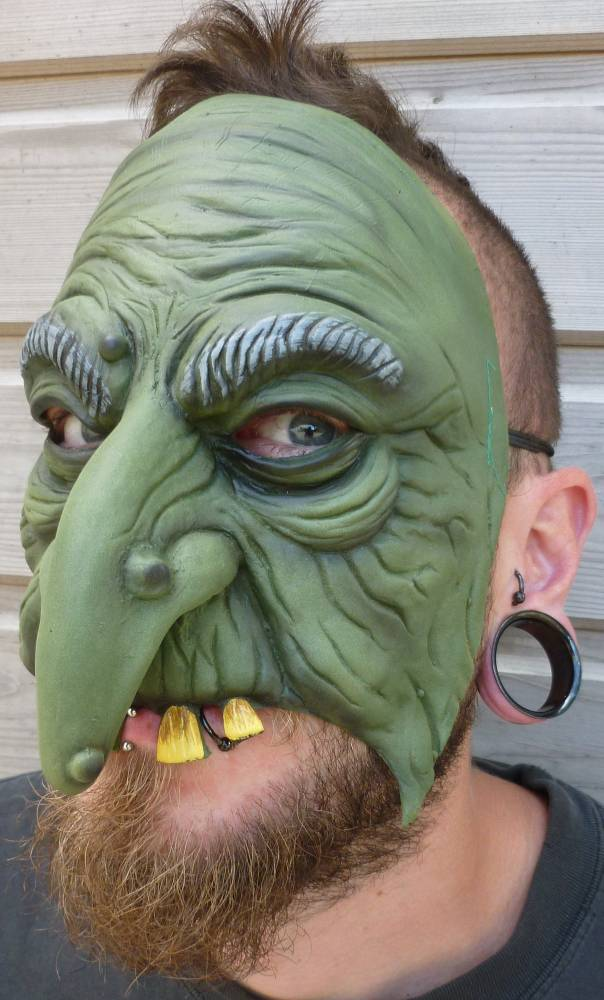 Demi-masque-Troll-ou-Sorcière