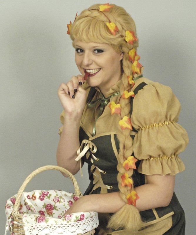 Perruque-Médiévale-blonde-M4