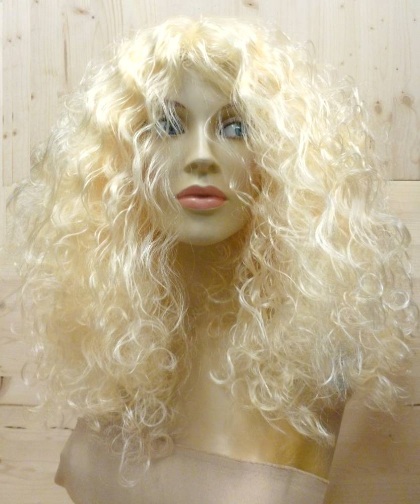 Perruque-Bouclée-blonde-longue-3