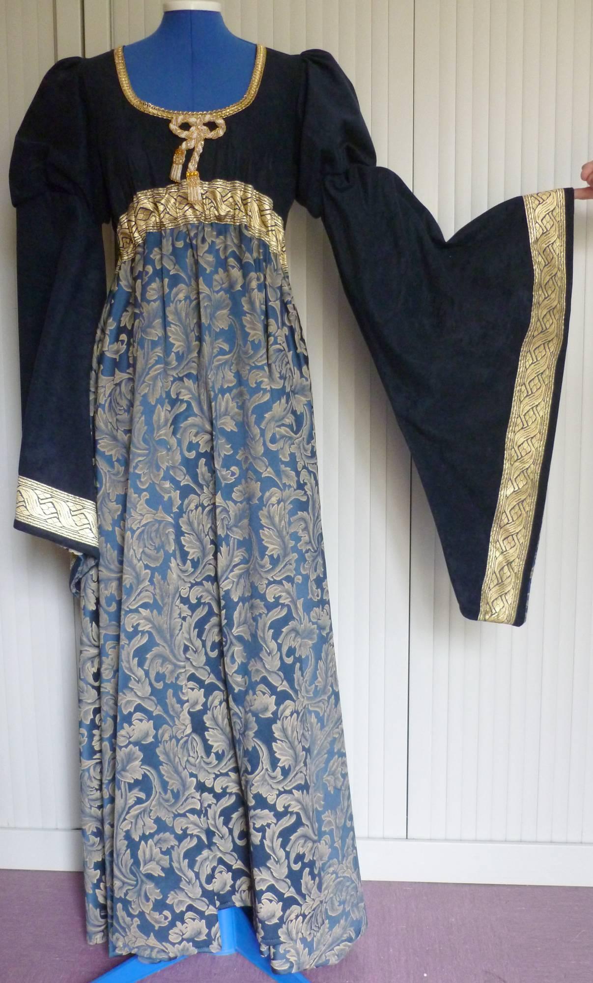 Robe-médiévale-Iseult-Luxe