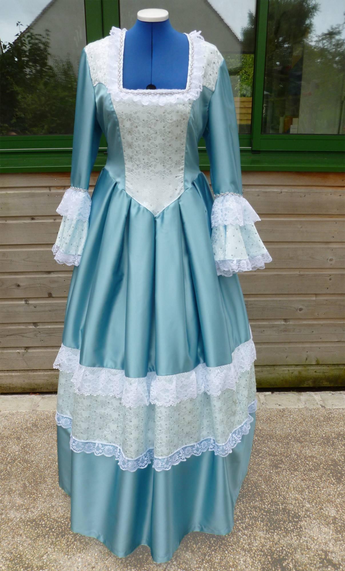 Costume-Marquise-bleue-C2