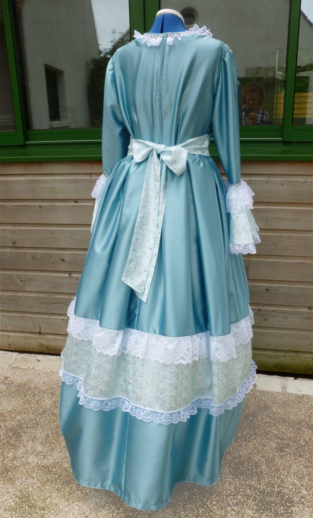 Costume-Marquise-bleue-C2-2
