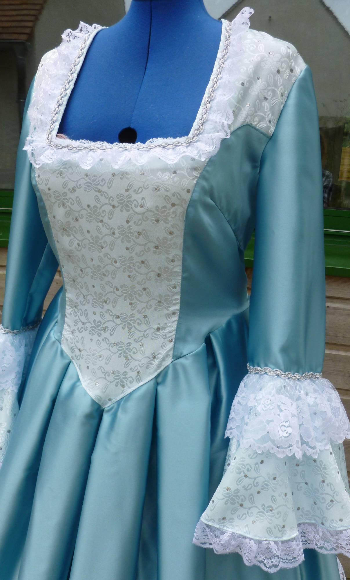 Costume-Marquise-bleue-C2-3