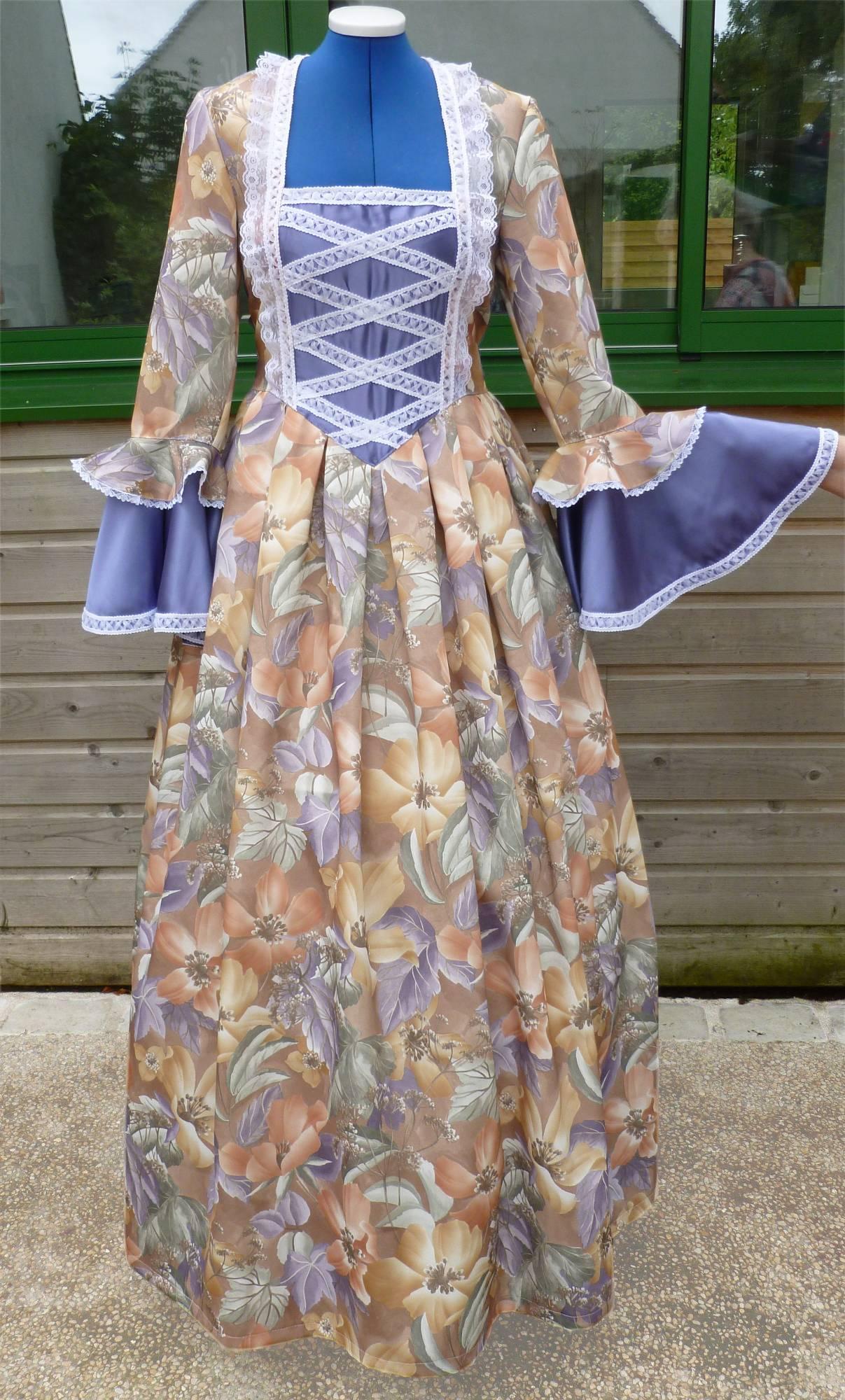 Costume-Marquise-violette
