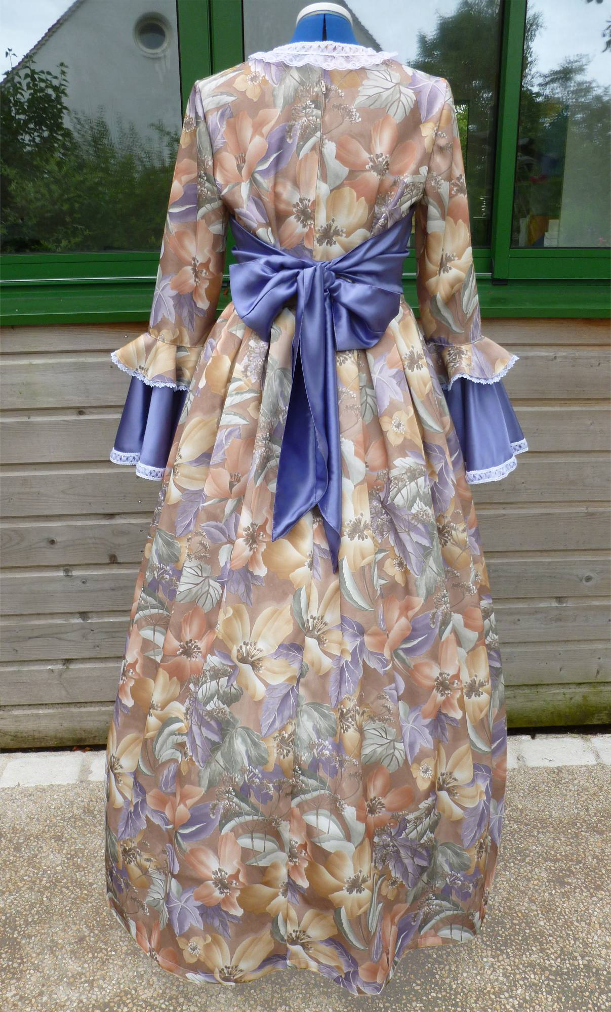 Costume-Marquise-violette-2