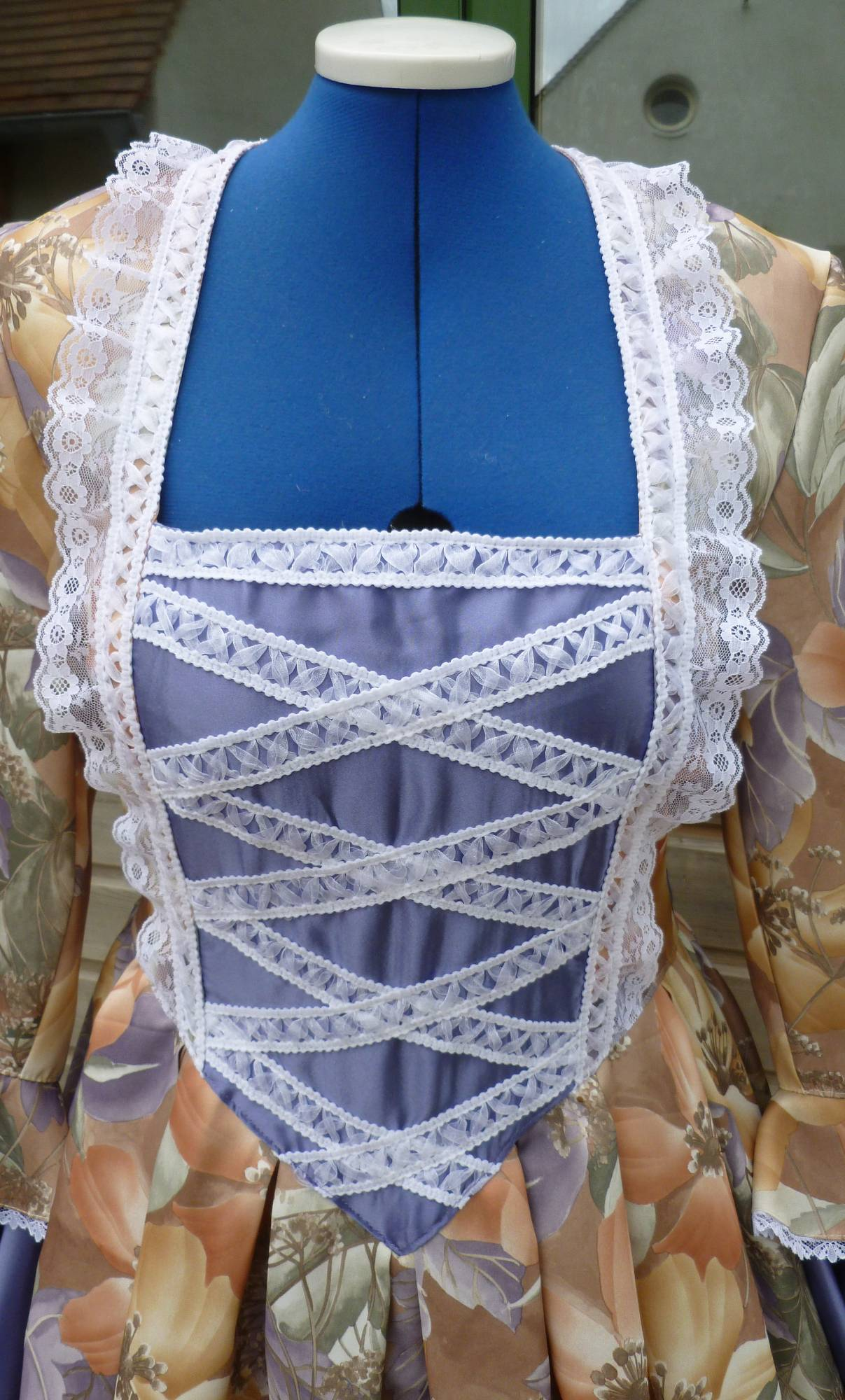 Costume-Marquise-violette-3