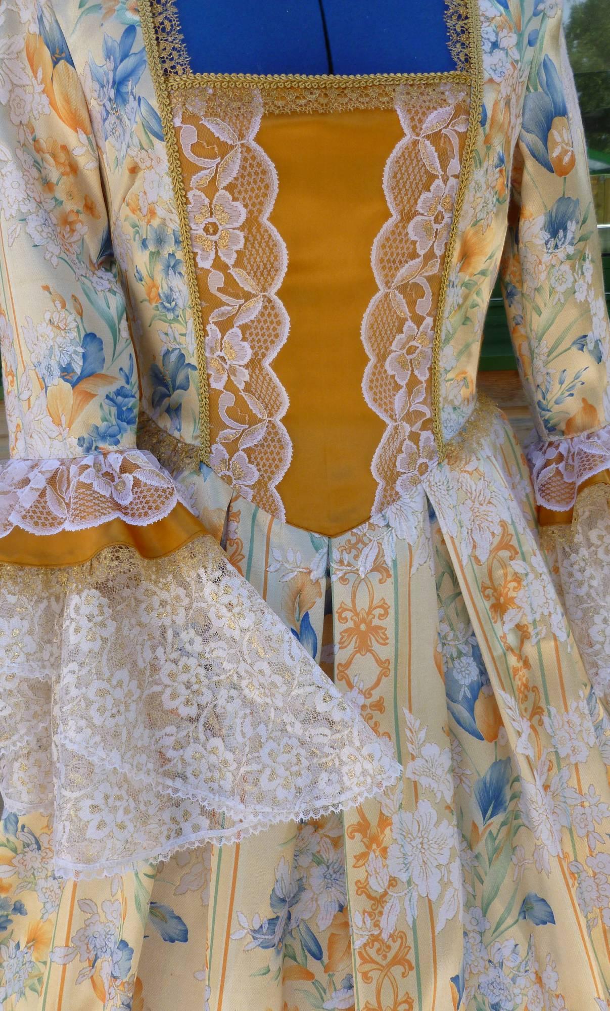 Costume-Marquise-dor�e-C5-3