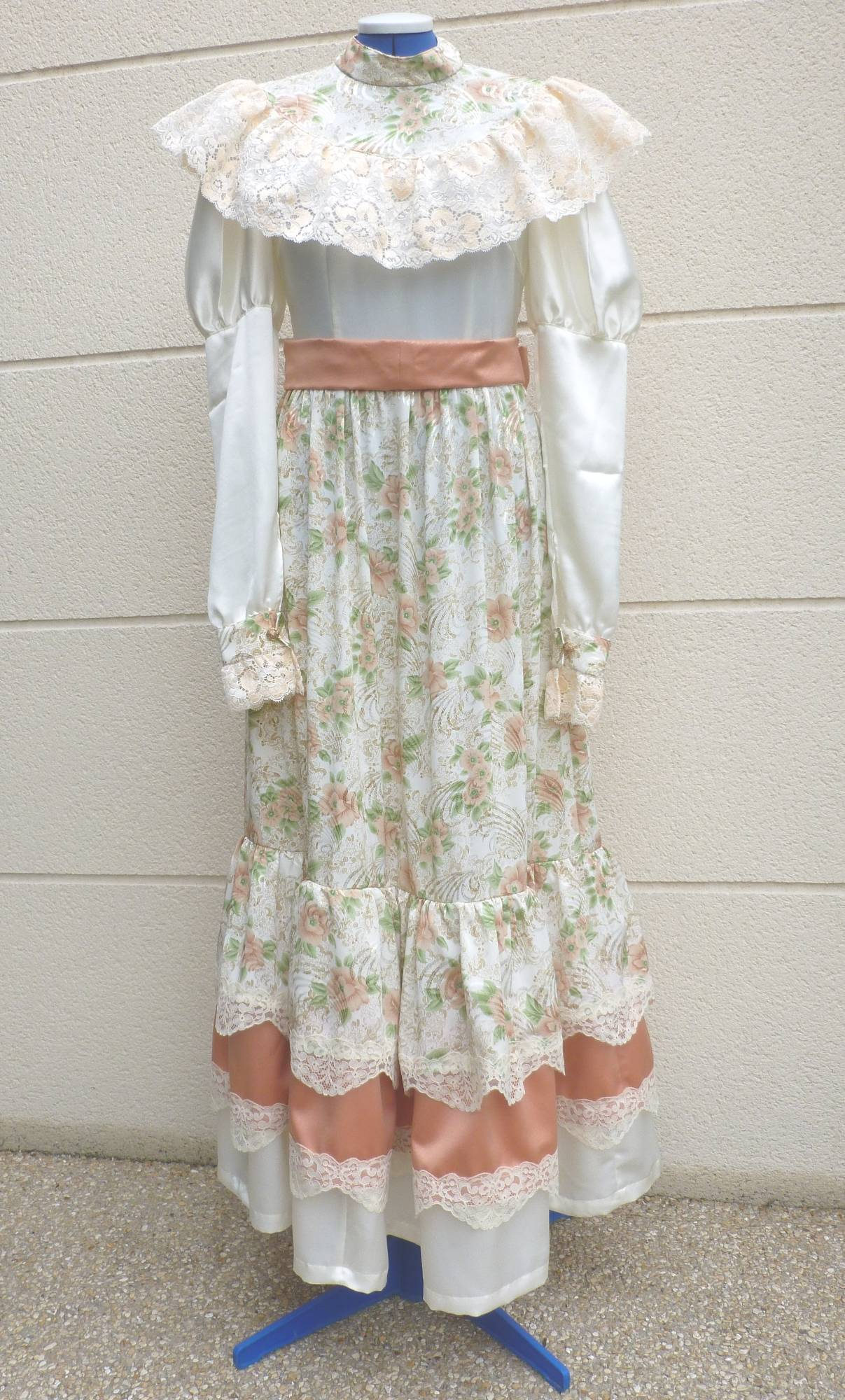 Robe-1900-taille-42