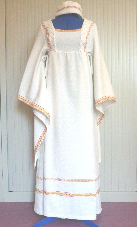 Robe-m�di�vale-Aude