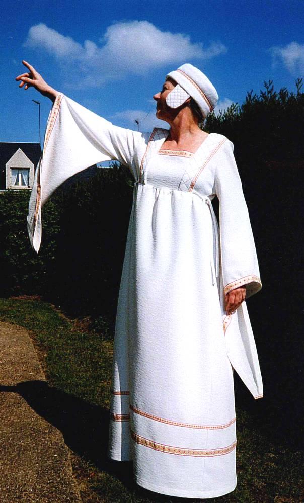 Robe-médiévale-Aude-2