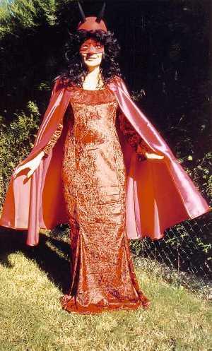 Costume-Diablesse-Méphistella-2