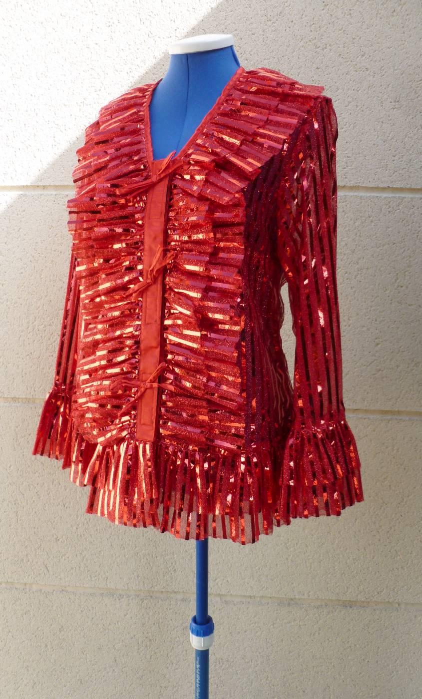 Costume-Chemise-cabaret-Marlène-rouge