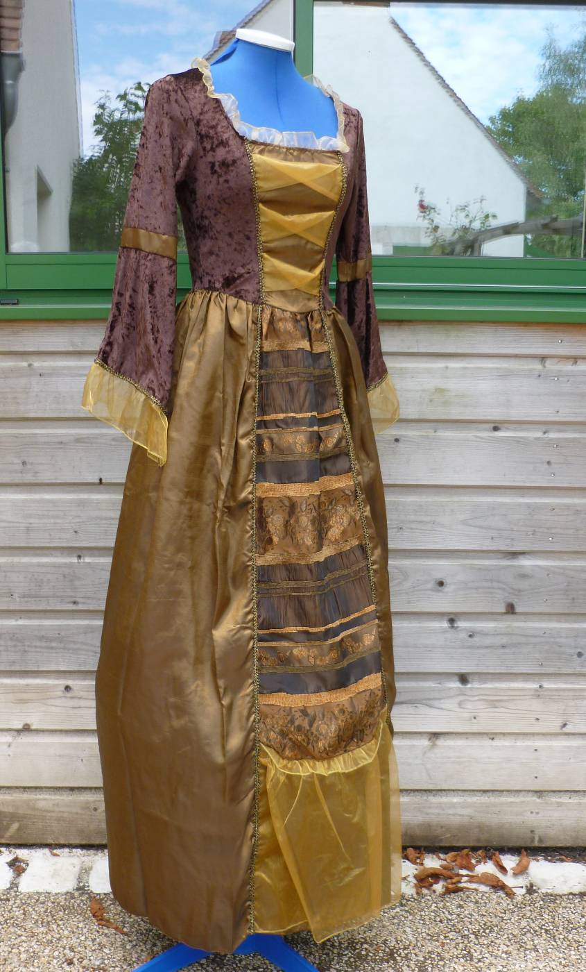 Robe-de-Marquise-Femme