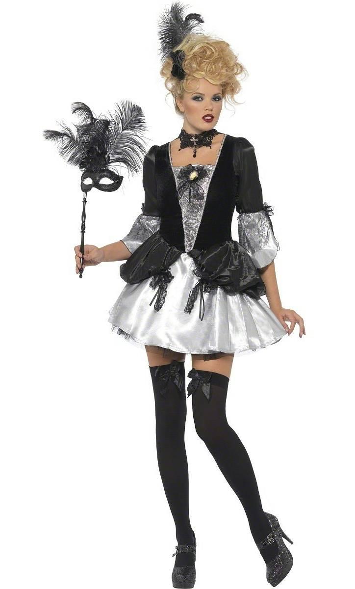Costume-Marquise-Sombre