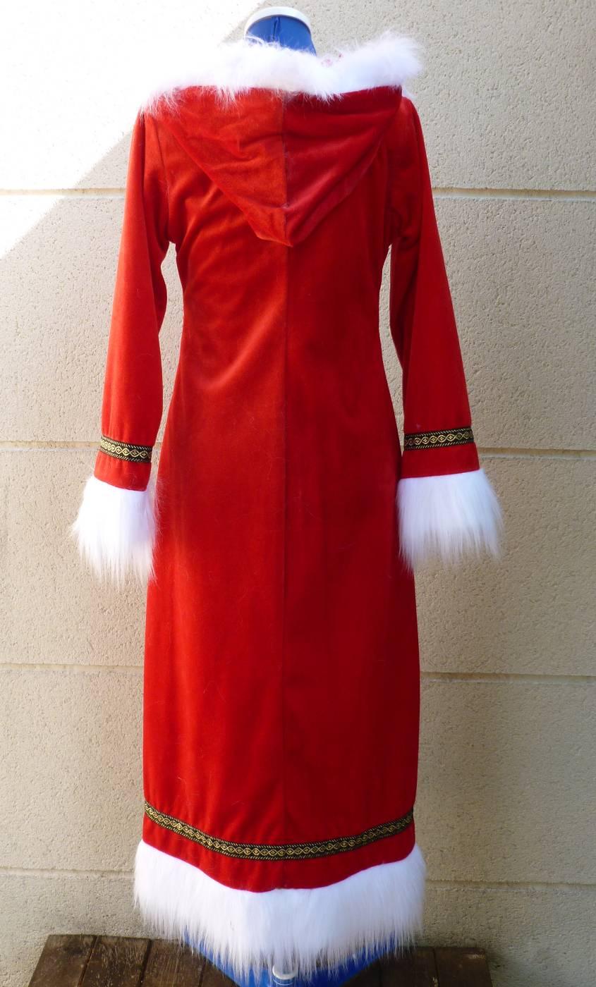 Manteau-de-Mère-Noël-2