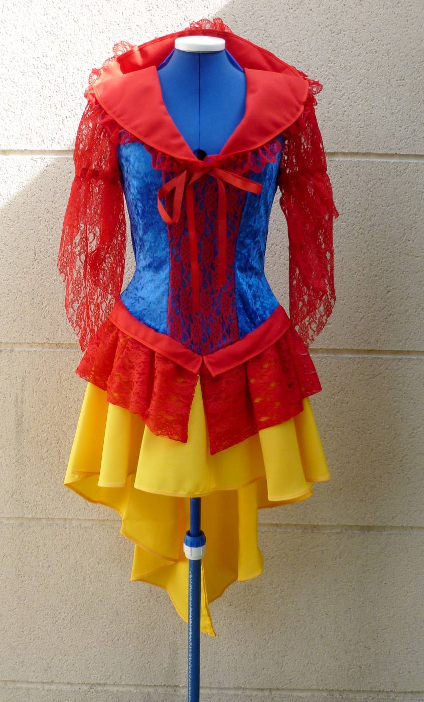Costume-de-Blanche-Neige-2