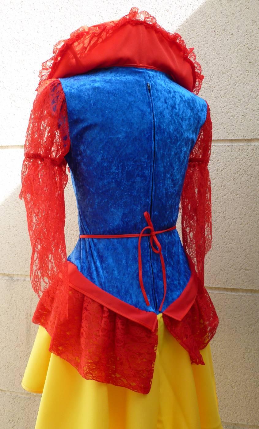 Costume-de-Blanche-Neige-3