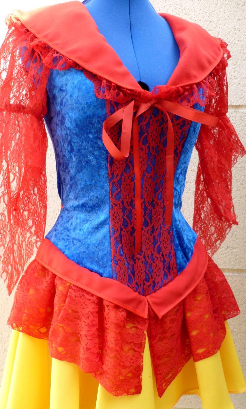 Costume-de-Blanche-Neige-4