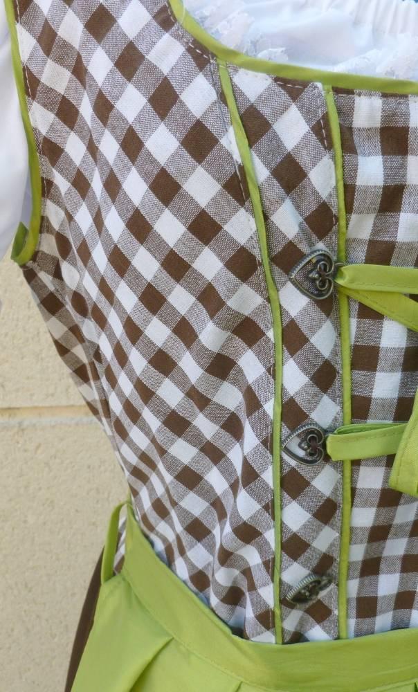 Costume-Tyrolienne-verte-grande-taille-2