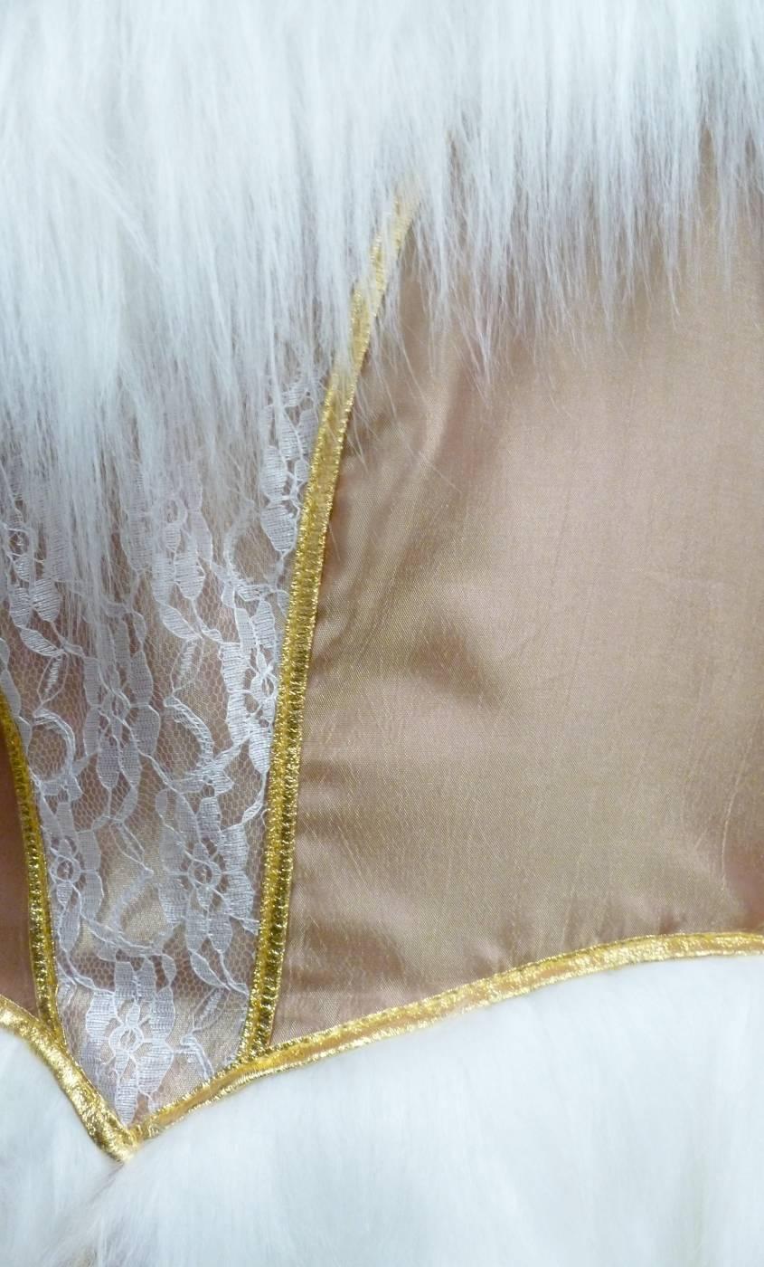 Costume-de-marquise-baroque-Or-en-grande-taille-3